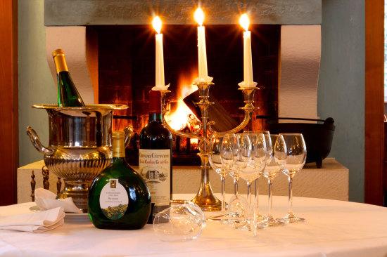 Champagner Wein und Kerzen